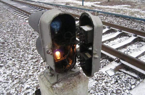 Замена перегоревшей лампы в карликовом светофоре