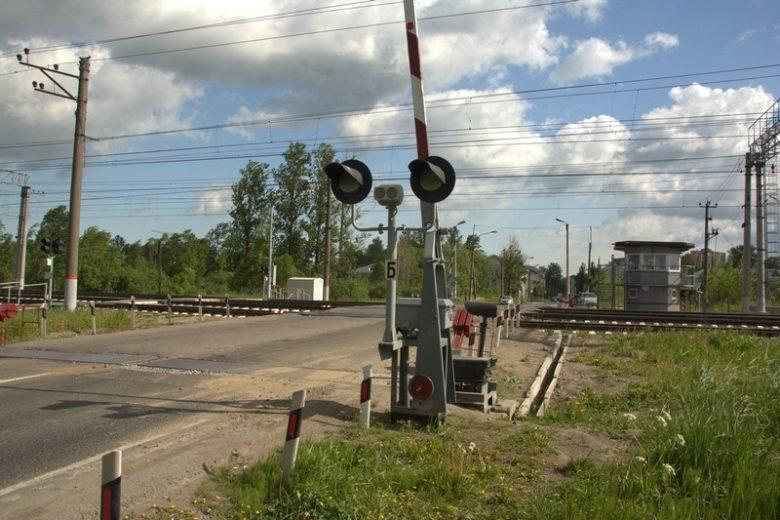 Светофор двузначный СП-2 на жд переезде